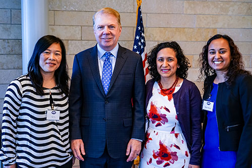 OIRA Director Cuc Vu and Mayor Ed Murray with White House officials